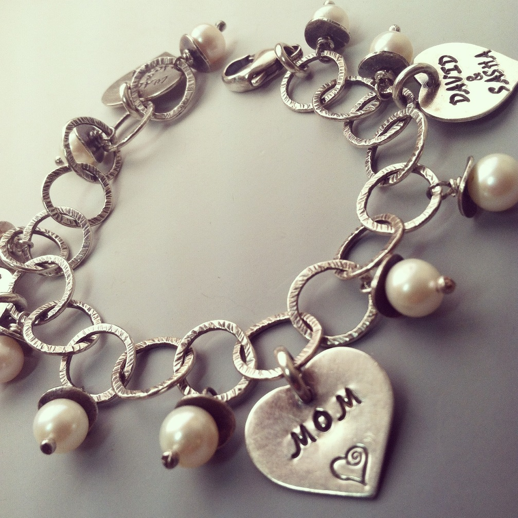 Sterling Silver Charm Bracelet with Names of Children Soninlaw Daughterinlaw Grandma Mom Husband