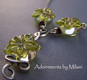 Pua Aloalo - Green Hibiscus Flower Hawaiian Necklace Glass Jewelry