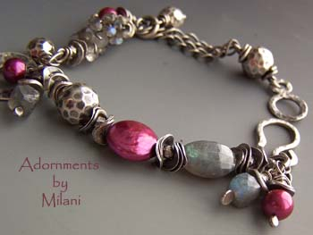 Les Pommettes - Fuchsia Pink Gray Labradorite Bracelet