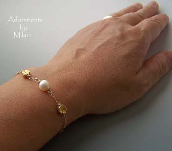 Pearl Bracelet for Brides Bridal Jewelry Wedding Pearls Gold